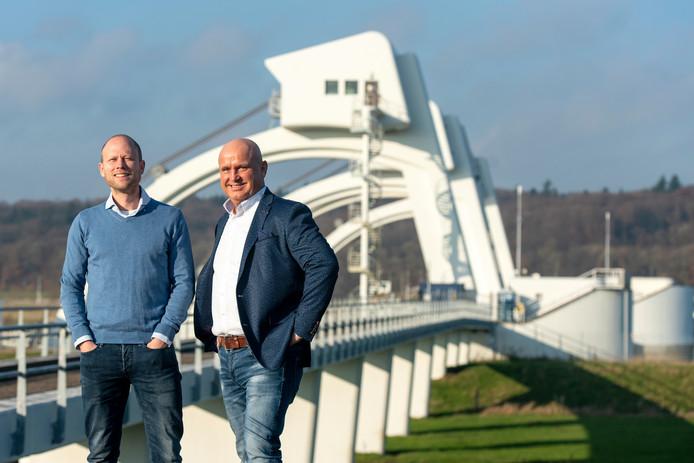 Jan van Rooijen (links) en Nelis van Binsbergen willen de dorpsraad Driel nieuw leven inblazen.