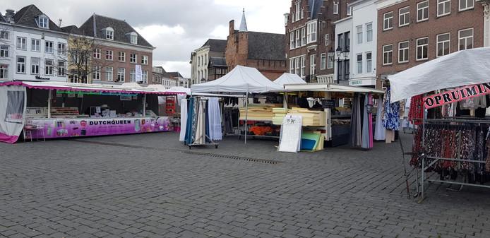 Een rustige Bossche weekmarkt