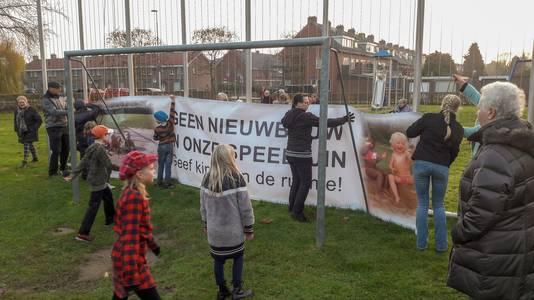 De actievoerende bewoners in Malburgen.