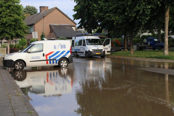 Wateroverlast door de gesprongen waterleiding.