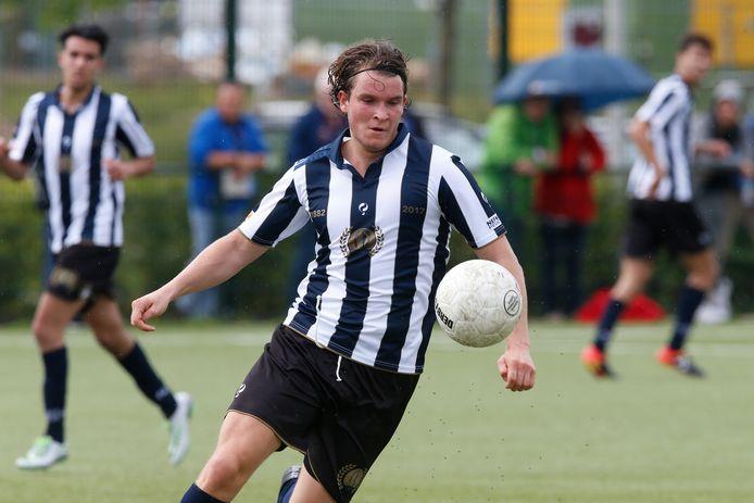 Oskar van Logtestijn moet zondag toekijken als Hercules op eigen veld tegen Be Quick 1887 speelt.