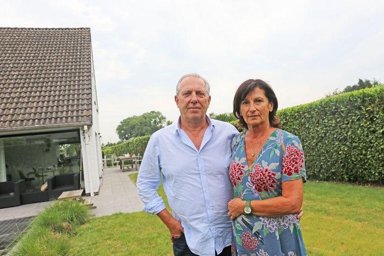 Dirk Van Capellen en Bernadette Stalmans zullen minstens een deel van hun tuin moeten afstaan voor de ring. Volledige zekerheid hebben ze nog niet.