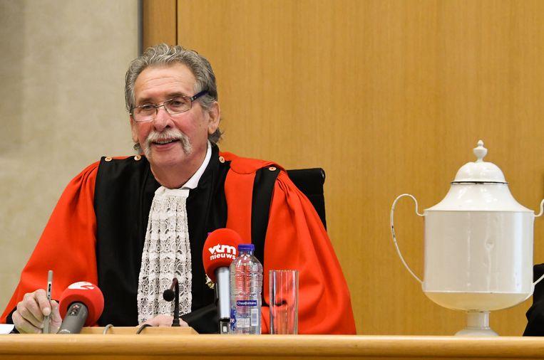 Voozitter Camille Liesens benadrukte dat hij volgende week zal uitzoeken waarom het tien jaar duurde voor de moord voor assisen werd gebracht.