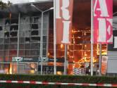 Teruglezen: Grote brand verwoest Karwei in Apeldoorn, medewerkers in tranen