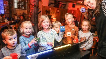 Klein Festijn dompelt kinderen onder in theaterwereld