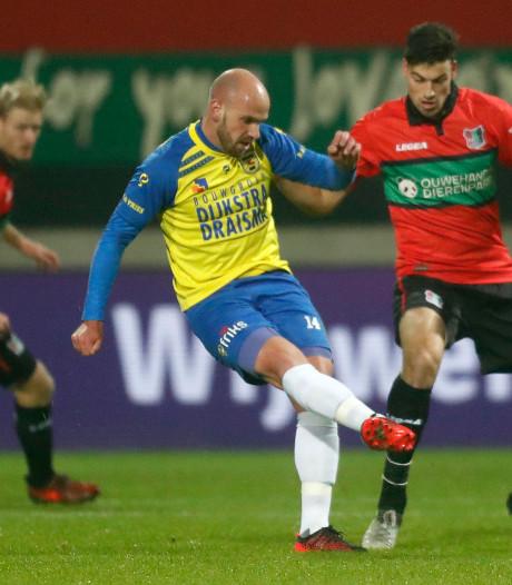 TOP Oss haalt Ajax-beul Smeets binnen, club meldt komst 'via Tinder'