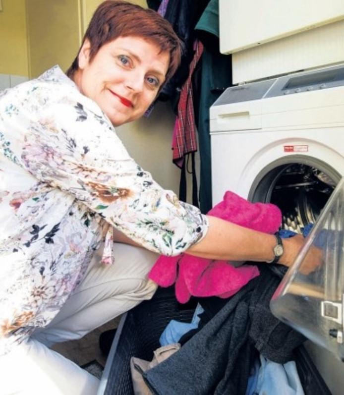 Agnes van Lohuijzen doet als nanny niet alleen huishoudelijk werk maar ze geeft ook persoonlijke aandacht.