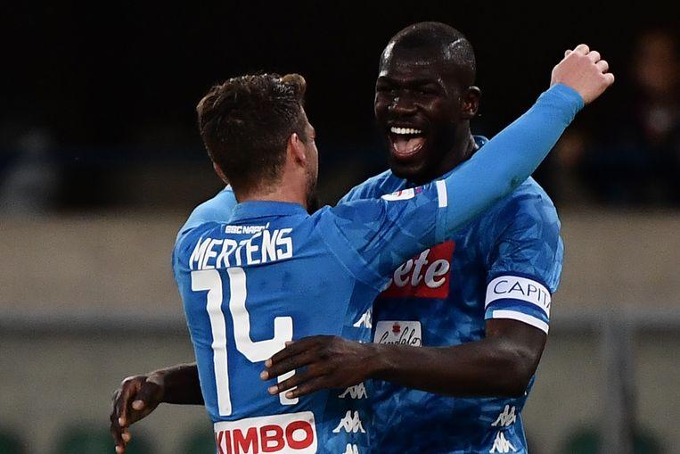 Kalidou Koulibaly met Dries Mertens.