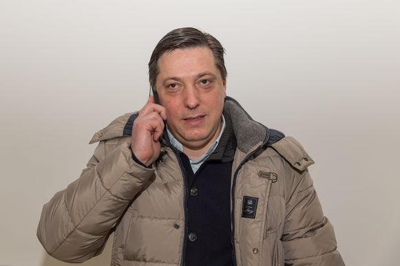 Als makelaar had Dejan Veljkovic de voorbije jaren zowat elke speler en trainer uit de Balkan in zijn portefeuille. Het gerecht pluist nu de bankrekeningen uit van minstens zeven (ex)spelers.