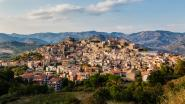 Zij kochten vakantiehuis voor 1 euro in Italië. Maar dan sloeg coronavirus toe