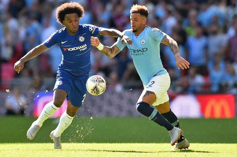 Willian in duel met Manchester City-speler Kyle Walker afgelopen weekend in de Community Shield