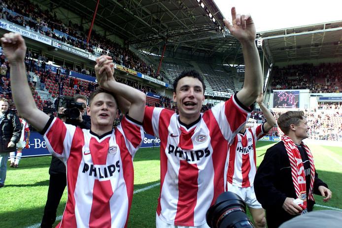 Johann Vogel en Mark van Bommel in dienst van PSV.