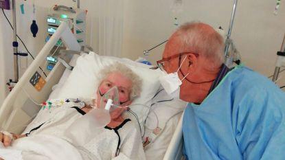 """Eugène (85) mag zijn Philomena (85) na twee maanden strijd tegen corona eindelijk meenemen naar huis: """"Twee keer dachten we dat we haar kwijt waren"""""""