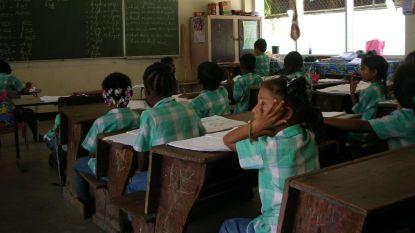 VUB-experts gaan Surinaams onderwijs van koloniale restanten zuiveren: geen caravantrips meer in schoolboeken