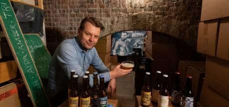Doordeweeks is Jan Marcel organisatie-ontwikkelaar, in het weekend bierbrouwer