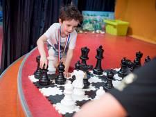 Verslaggever alvast geen partij voor schaaktalent Evan uit Wierden