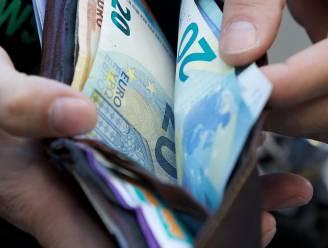 6 op de 10 Belgen gebruiken minder cash, coronapandemie versnelt trend