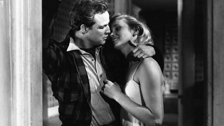 Marlon Brando en Eva Marie Saint in On the Waterfront. Beeld