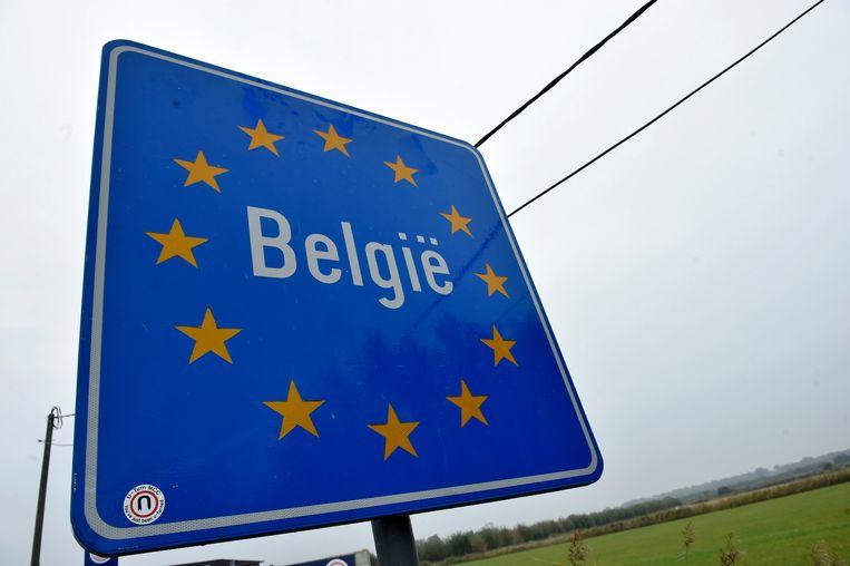 Een bord met 'België' erop wanneer je ons land binnenrijdt.