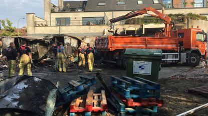Magazijn Carrefour gaat in vlammen op