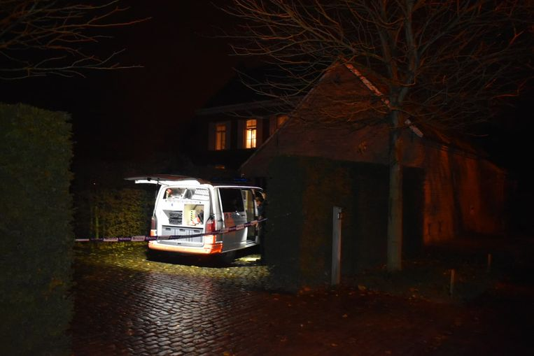 De homejacking gebeurde in de Potaardestraat in Erwetegem.