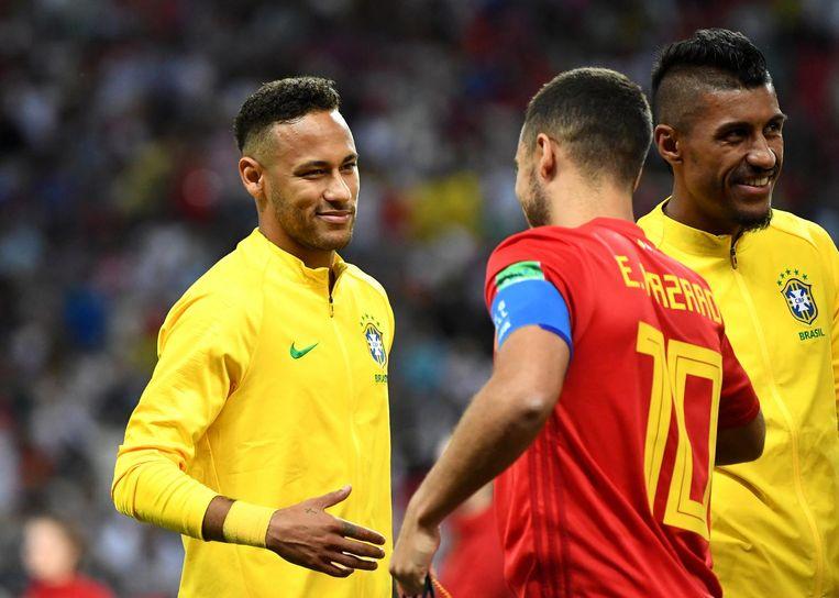 Handshake tussen Neymar en Eden Hazard, voor aanvang van de kwartfinale op het WK in Rusland.