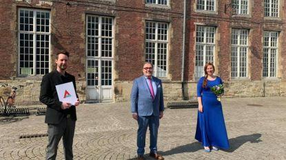 Ineke en Jonas geven jawoord: geen trouwfeest, wel openingsdans en 'Les lacs du Connemara' met de buren op straat