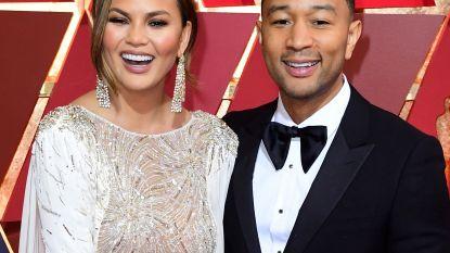 John Legend en Chrissy Teigen vieren de verjaardag van Donald Trump op hun eigen manier