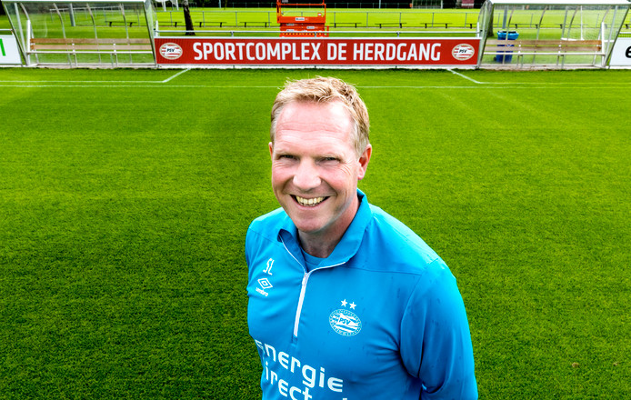 Sander Luiten, trainer van de voetbalvrouwen van PSV.