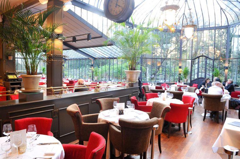 Het decor van het Italiaanse restaurant in het oud koetshuis in Wilrijk oogt indrukwekkend.