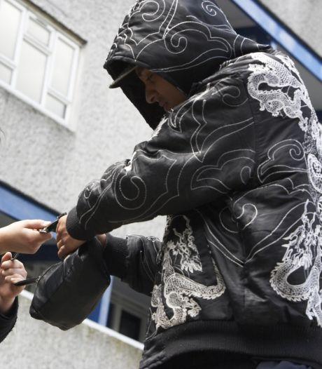 Vrouw in scootmobiel beroofd van tas in Tilburg