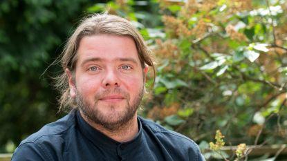 Benny uit 'Het Geslacht De Pauw' dient klacht in wegens homohaat
