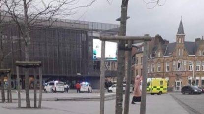 Ruzie ontaardt: jongere wordt gestoken met mes en raakt lichtgewond