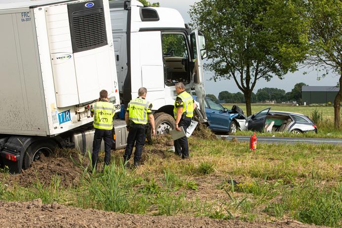 De Gooiseweg werd lange tijd afgesloten voor verkeer, in verband met een zwaar ongeval.
