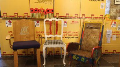 100 stoelen uit 100 landen van gesneuvelden