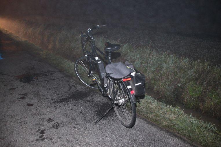 De elektrische fiets van de man.