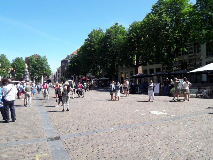 Op  De Brink in Deventer komt een dezer dagen waarschijnlijk een openbaar toilet.