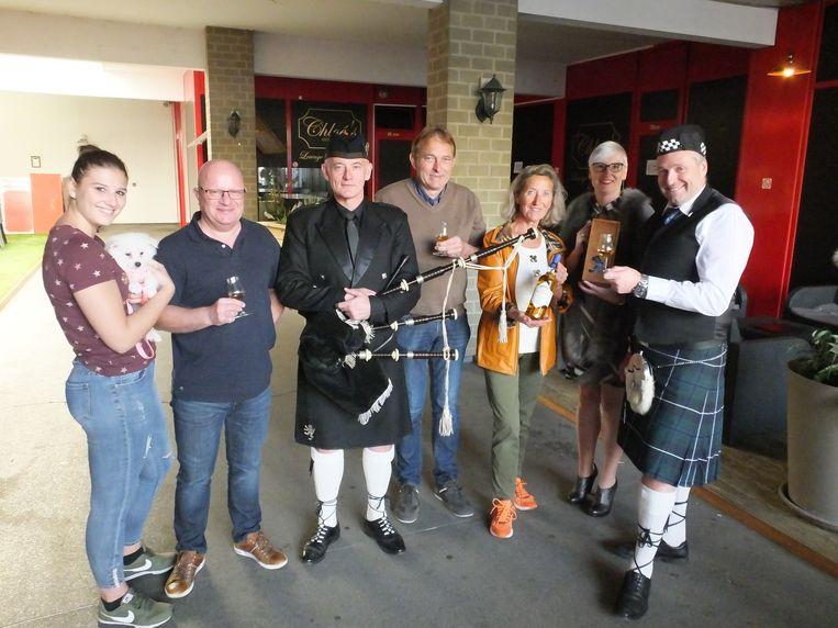 Het team van het Petegems whiskypaviljoen is klaar voor de tiende editie.
