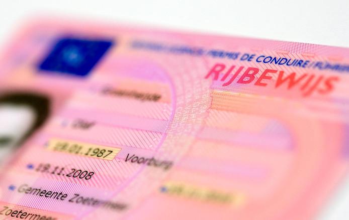 In de regio raakten donderdag drie personen hun rijbewijs kwijt.