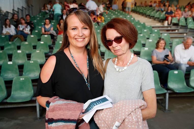 Deborah Deridder nam moeder Jeanine mee.