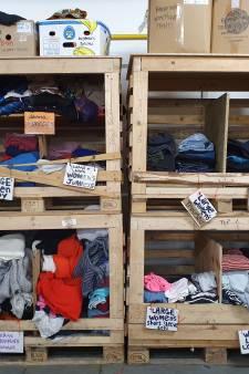 Veel negatieve reacties op bijstandsuitkering voor vrouw uit Leusden die vluchtelingen in Calais helpt