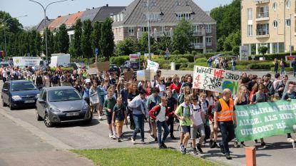 Eerste Herentalse klimaatmars brengt 200 jongeren op de been