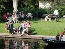 Roeiboten verhuren en theeschenken? Restaurant De Waterkant in Westbroekpark staat te koop