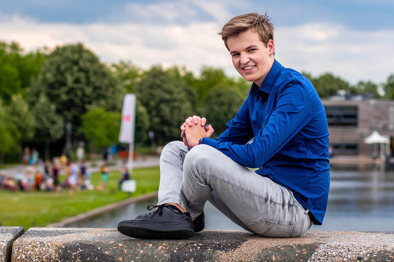 Pieter Lossie uit Harmelen werd vorig jaar voorzitter van het Landelijke Aktie Komitee Scholieren (LAKS)