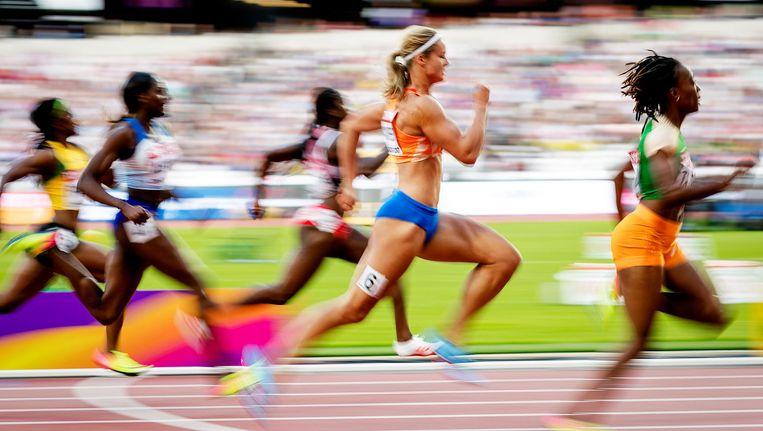 Dafne Schippers in actie op de halve finale van de 100 meter Beeld anp