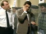 Mr Bean pakt een crimineel op een bijzondere manier...