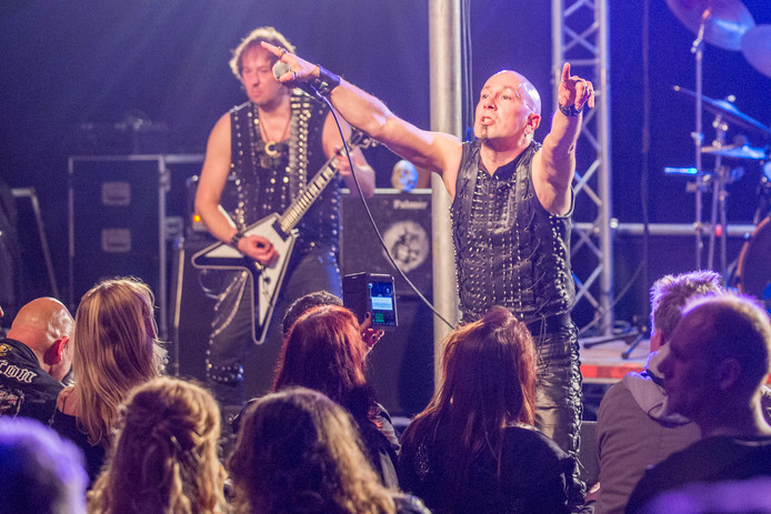 Tributeband van Judas Priest 'Silverwolf' op Festival Dijkrock in Bath.