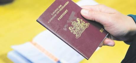 'Laat gemeente Nijmegen paspoort en rijbewijs thuisbezorgen'