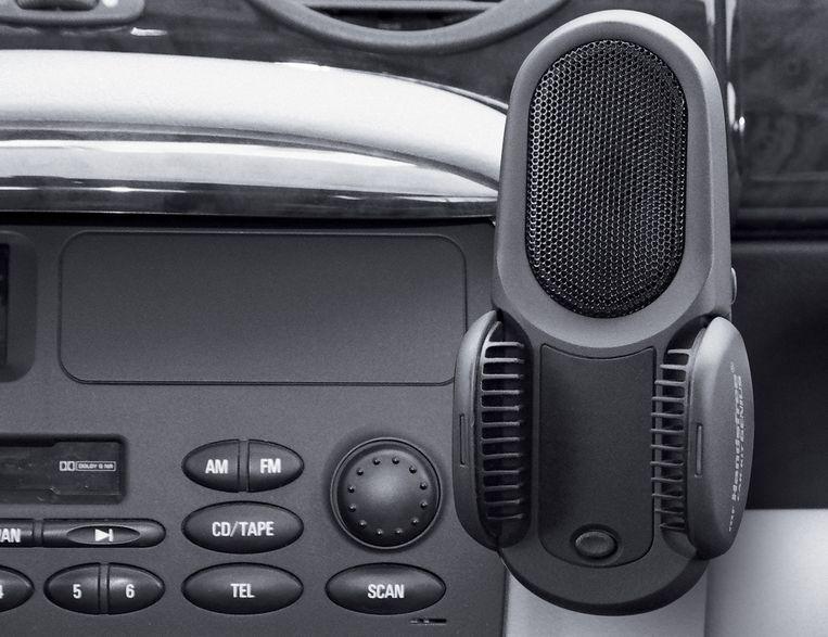 Handenvrij bellen, met aangepaste apparatuur in de wagen, is een must.
