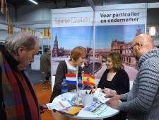 Drukte op de emigratiebeurs in Houten: 'Ik krijg steeds meer de schijt aan dit land'